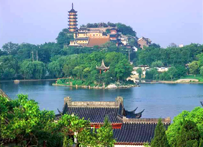 Zhenjiang China  city pictures gallery : Zhenjiang Hotels and travel reservation, China Zhenjiang hotels ...